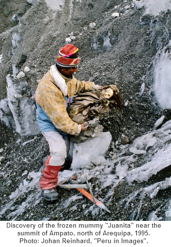 """Discovery of the frozen mummy """"Juanita"""" near the summit of Ampato, north of Arequipa, 1995. Photo: Johan Reinhard, """"Peru in Images""""."""