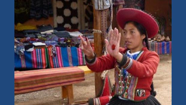 Hilos de Chinchero: traditional Cuzco weaving