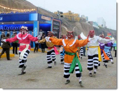 Peruvian traditional dance performed at Mistura 2013