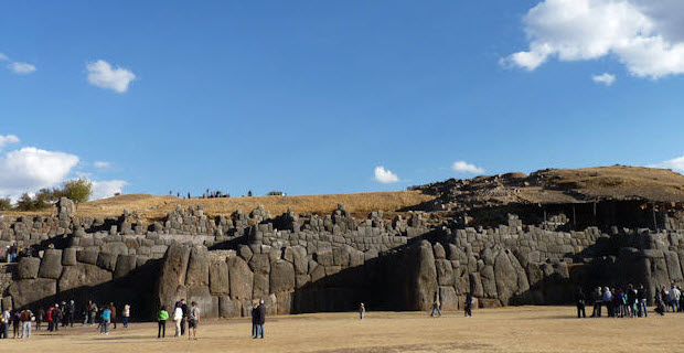 The virtual reality of Inca architecture: Sacsayhuaman