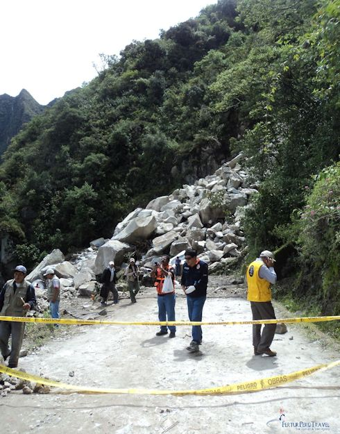 Machu Picchu Hiram Bingham Highway blocked by landslide - Jan. 14, 2014