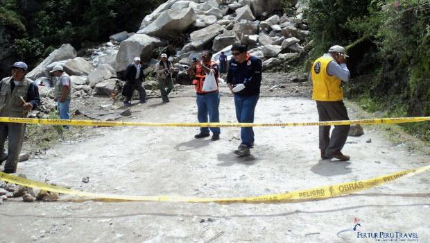 Photos of landslide blocking road to Machu Picchu
