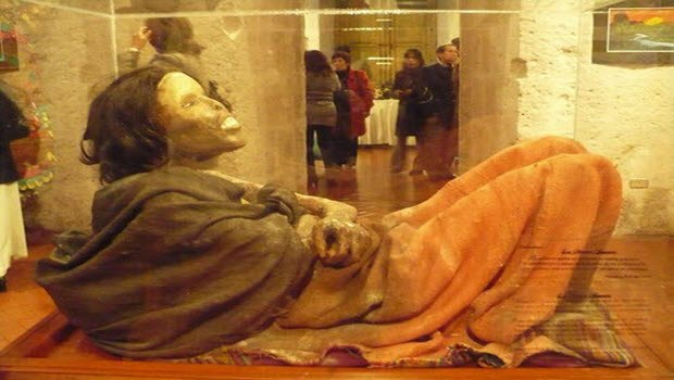 Arequipa tour attraction Juanita mummy placed in deep freeze