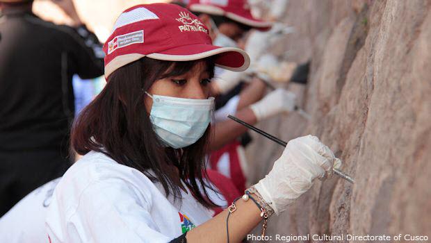 Cusco population volunteers to restore ancient Inca walls