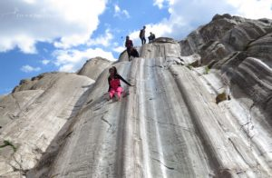 A wonderful family kid activity in Cusco is to visit the natural rock slide, known as the Rodadero. It's an original Inca playground.
