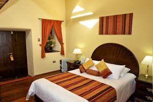 Tierra Viva Hotel Cuzco Plaza comfortable guest room