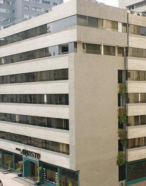 Exteriores del Hotel Ariosto en Miraflores - Lima, Perú
