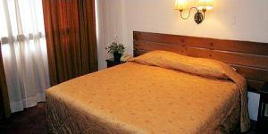Habitación matrimonial en el Hotel Ariosto