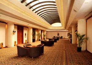 Vestíbulo del Swissôtel Lima - Hotel cinco estrellas en San Isidro