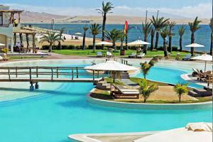 Gran piscina del La Hacienda Bahía Paracas Hotel
