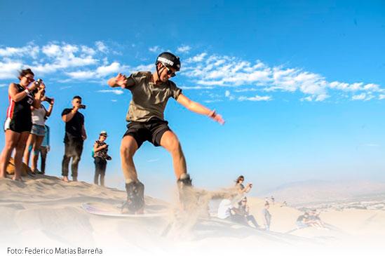 Lugares turísticos de Ica: Dunas de Huacachina para Sandboarding