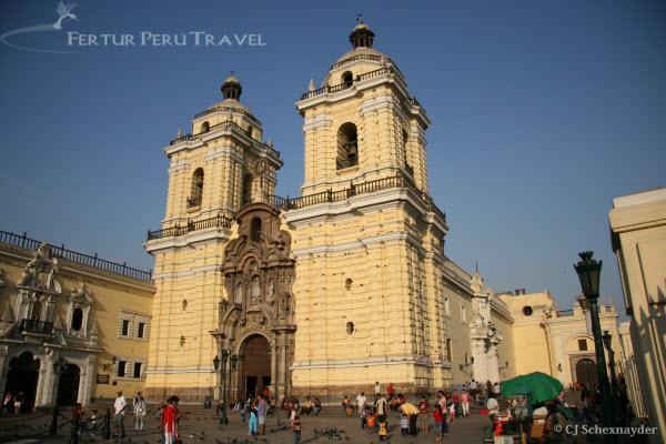 Iglesia de San Francisco en el Centro de Lima